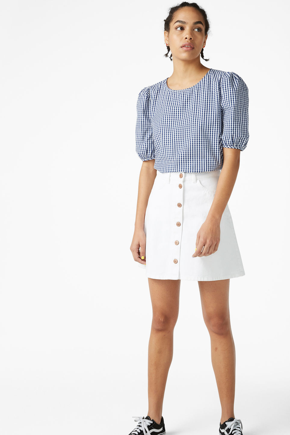 Model front image of Monki puffed sleeve blouse in blue