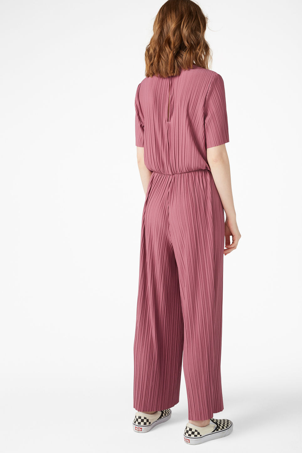 Model back image of Monki pleated jumpsuit in pink