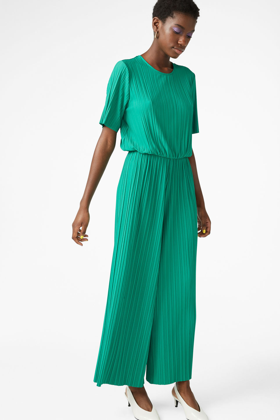 Model front image of Monki pleated jumpsuit in green