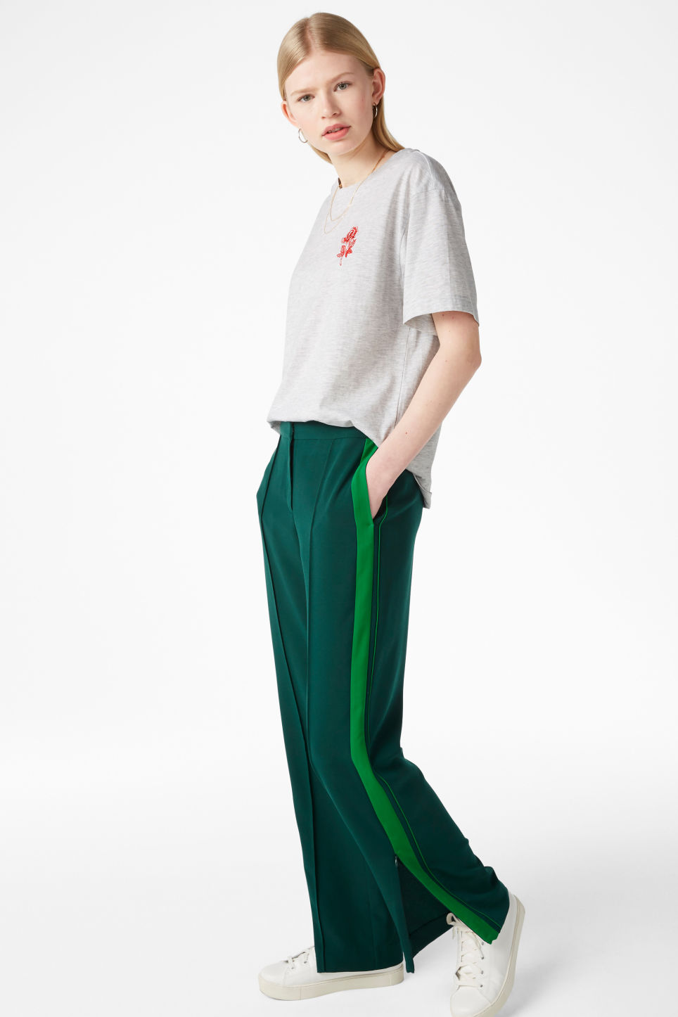 Model front image of Monki sporty trousers in green