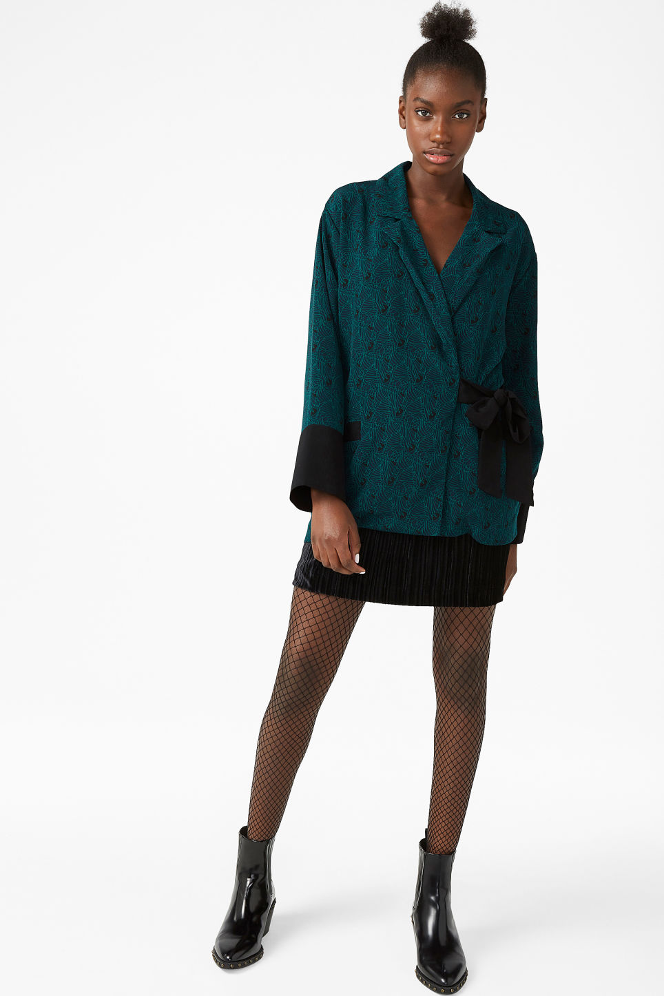 Model front image of Monki kimono-style blazer in blue