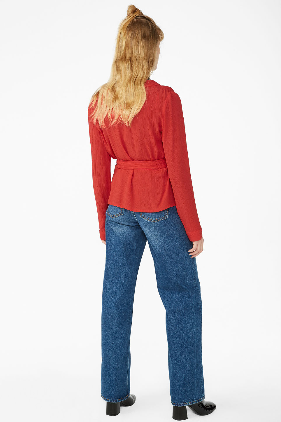 Model back image of Monki wrap blouse in red