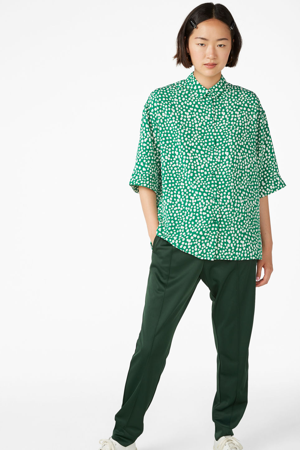 Model front image of Monki flowy button-up shirt in green