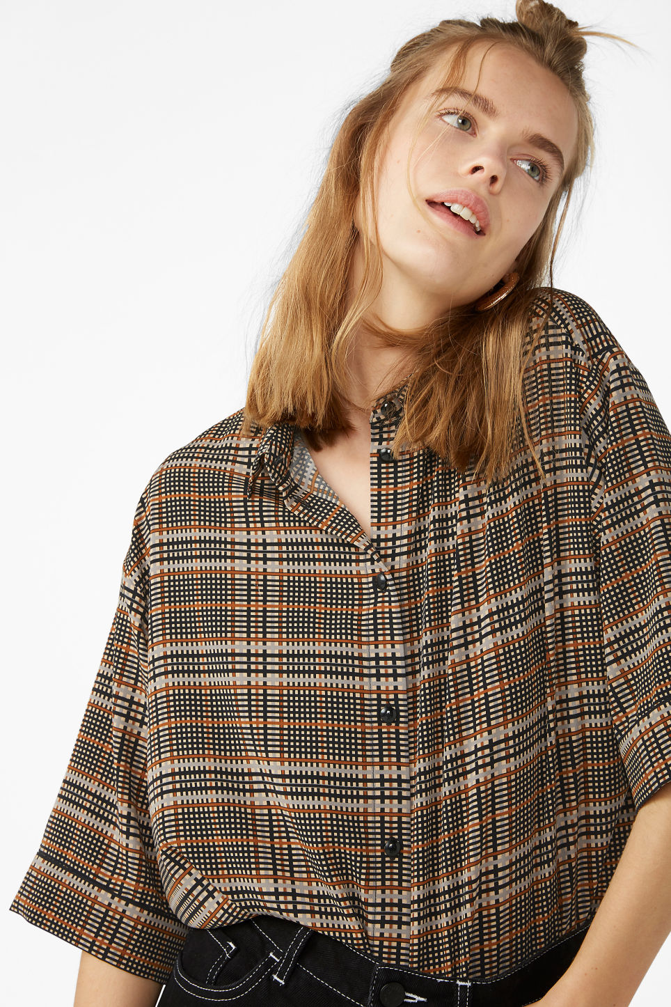 Model front image of Monki flowy oversized shirt in beige