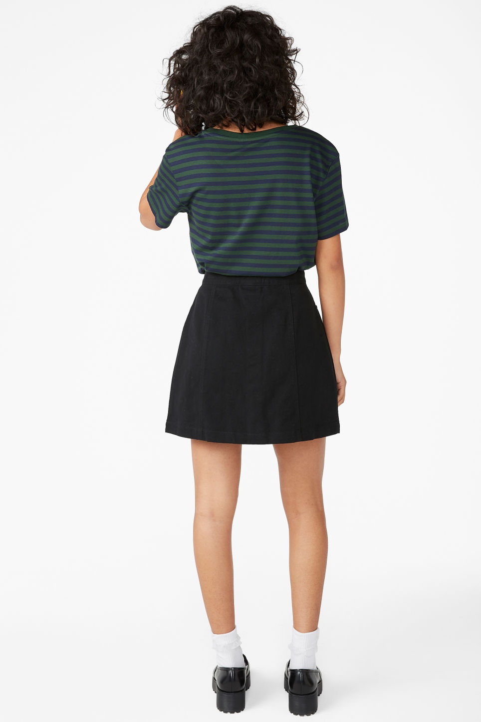 Model back image of Monki mini skirt in black