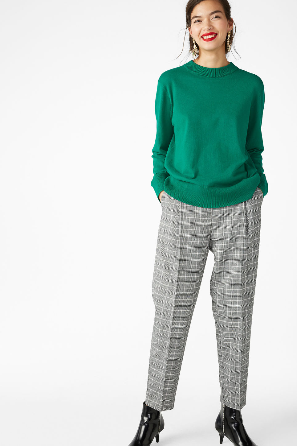 Model front image of Monki soft knit sweater in green