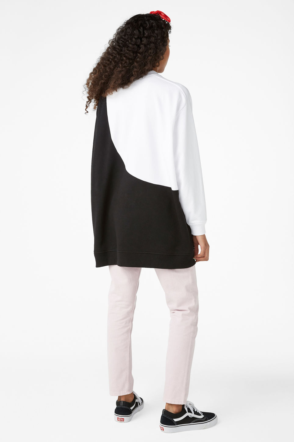 Model back image of Monki oversized sweatshirt in white