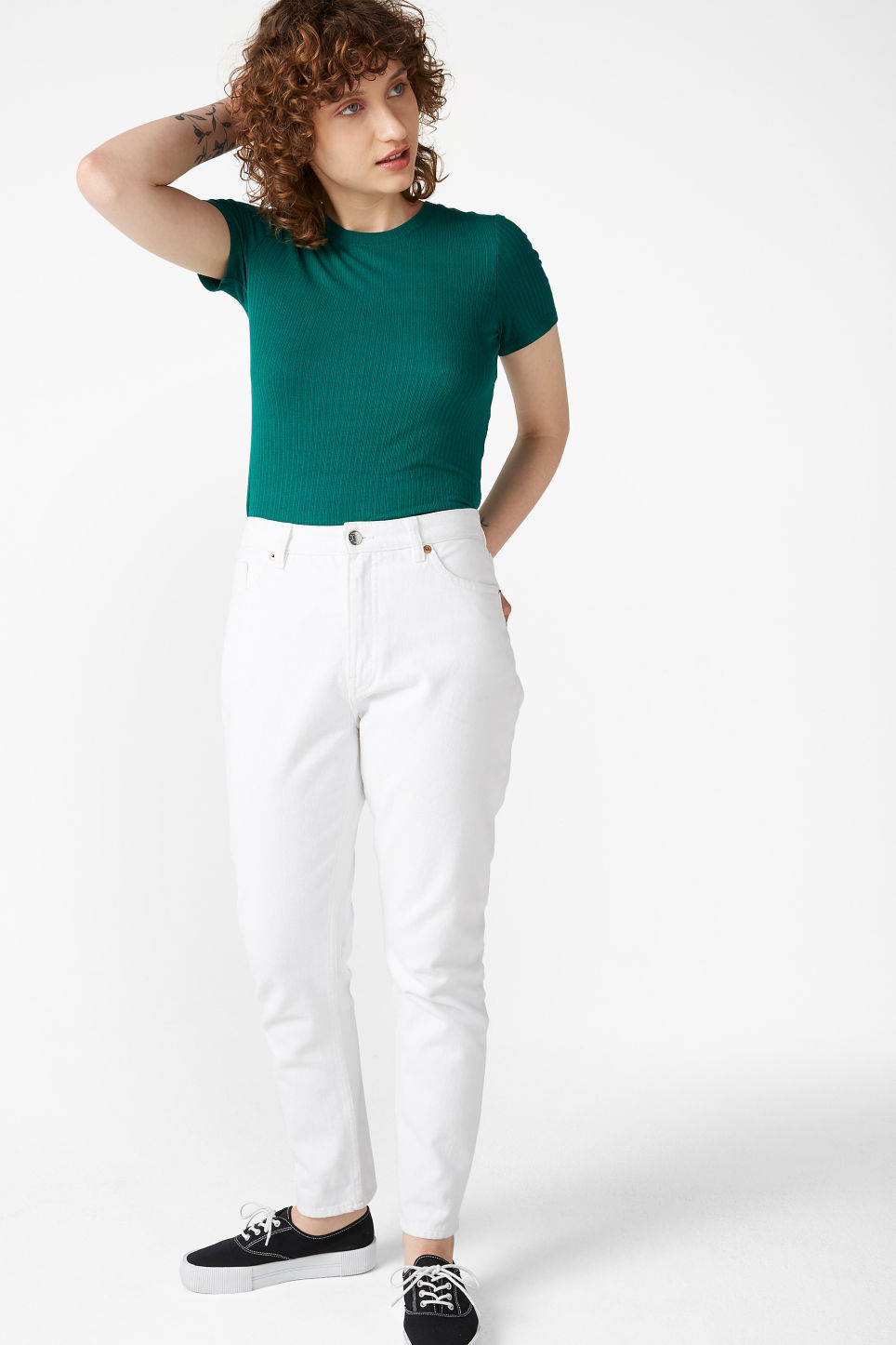Model side image of Monki ribbed tee in green