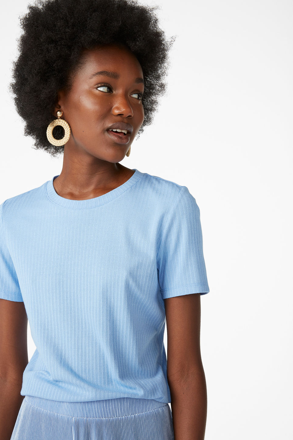 Model front image of Monki ribbed tee in blue
