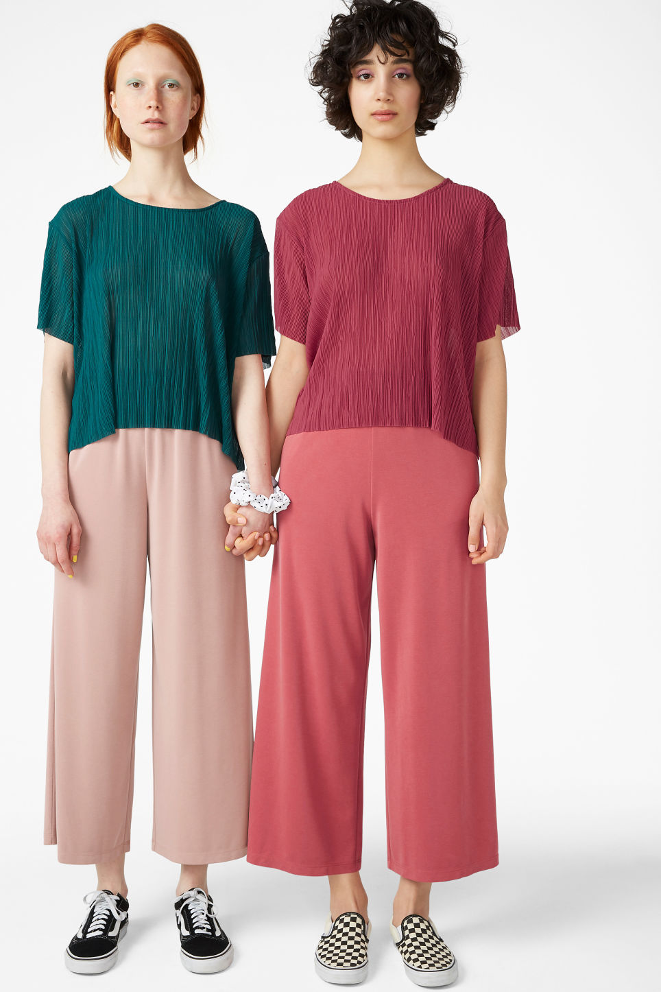 Model front image of Monki pleated top in pink
