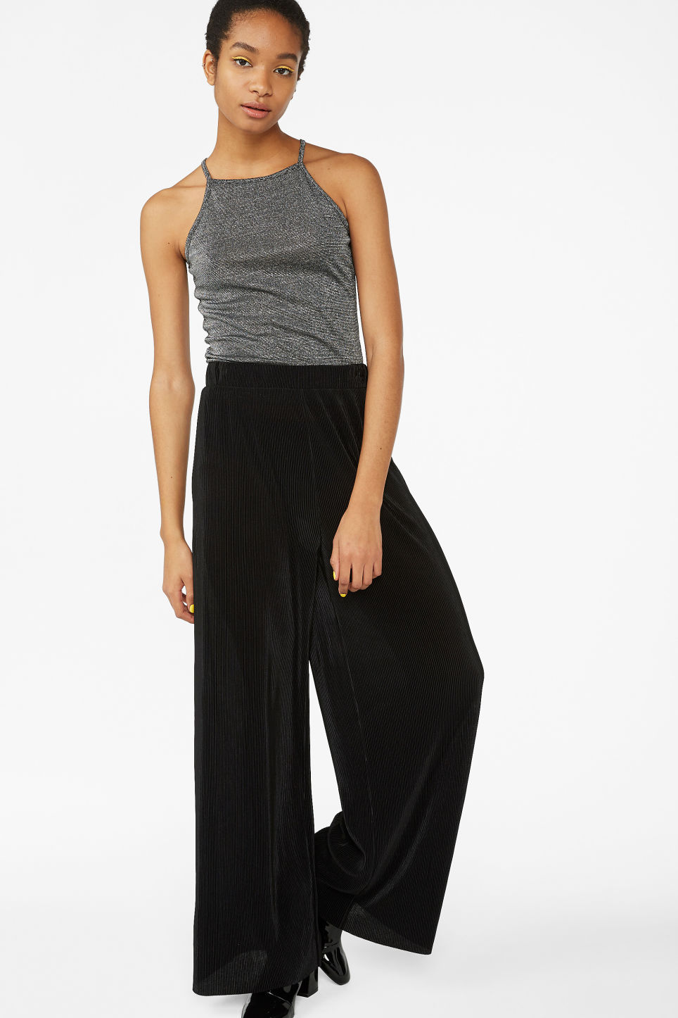 Model side image of Monki cropped singlet in silver