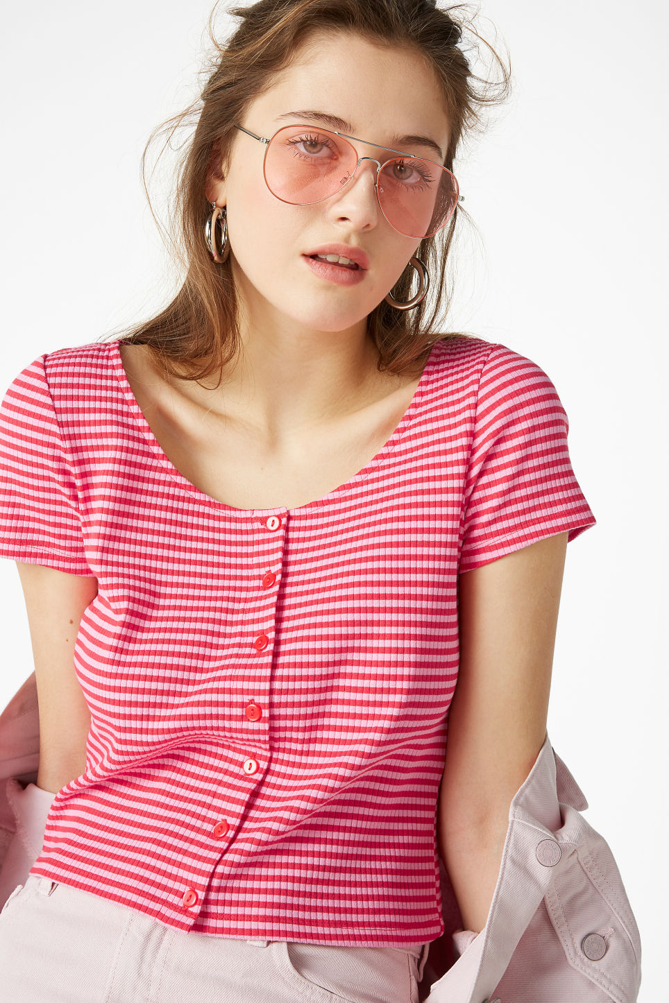 Model front image of Monki ribbed top in pink