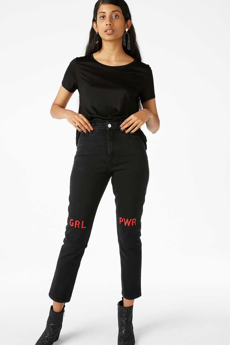 Model front image of Monki silky tee in black