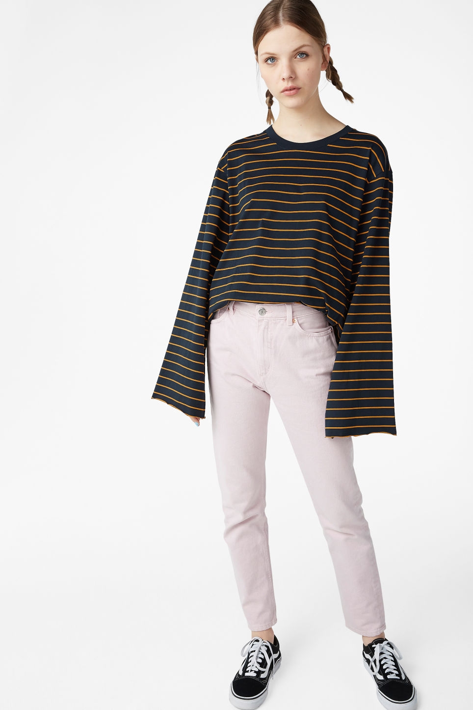 Model front image of Monki wide sleeve top in blue