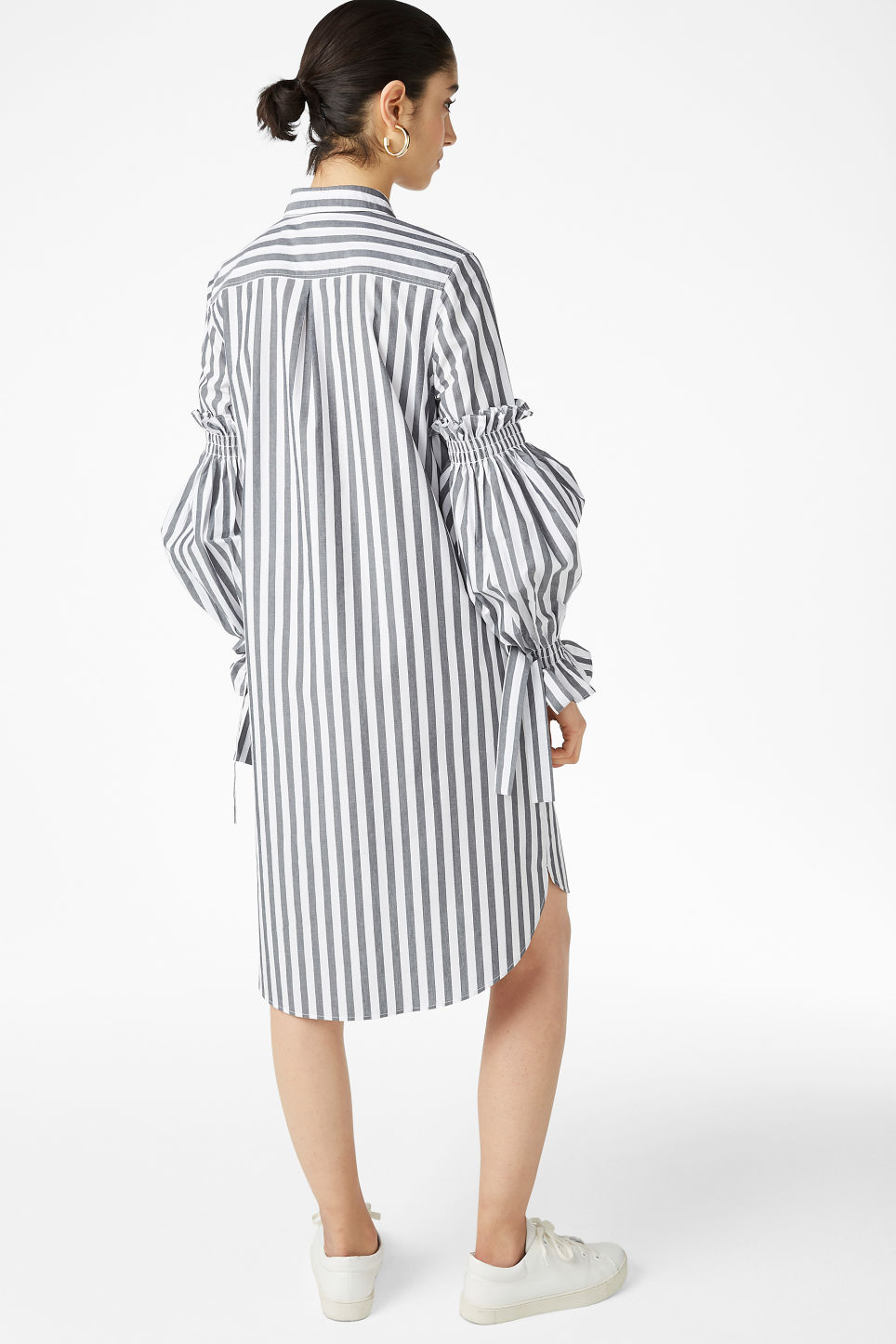 Model back image of Monki shirt dress in white