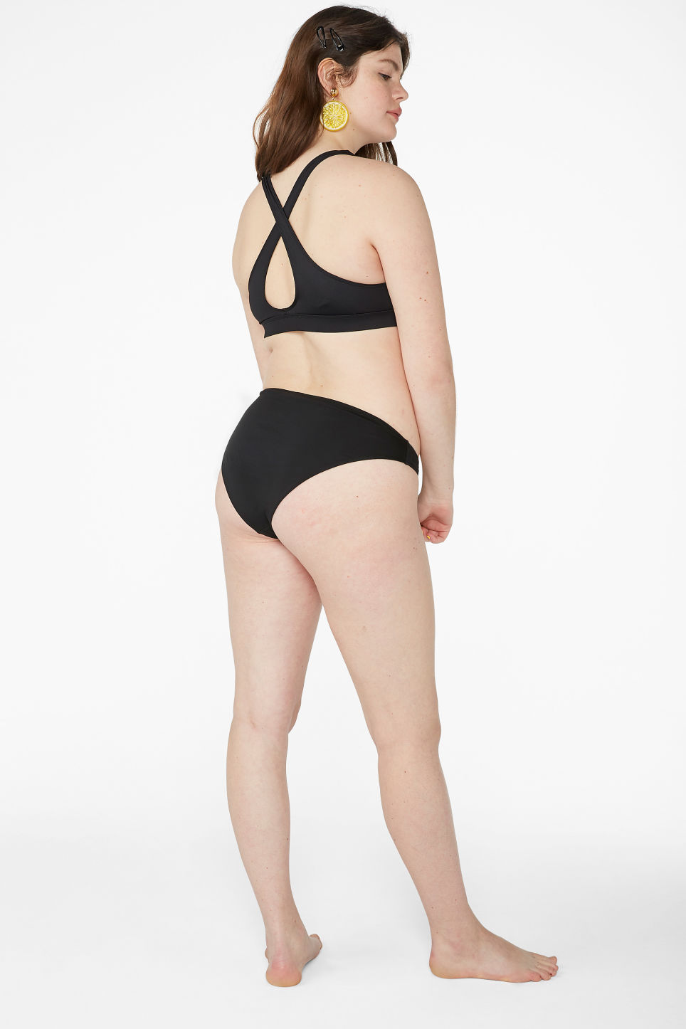 Model back image of Monki cross back bikini top in black