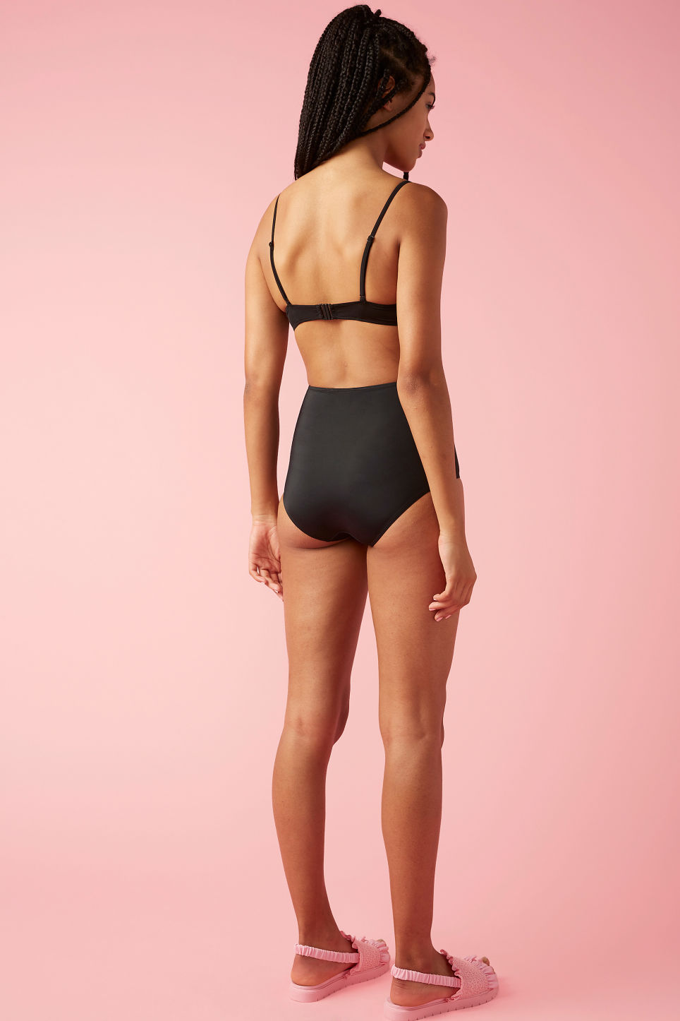 Model back image of Monki padded bikini top in black
