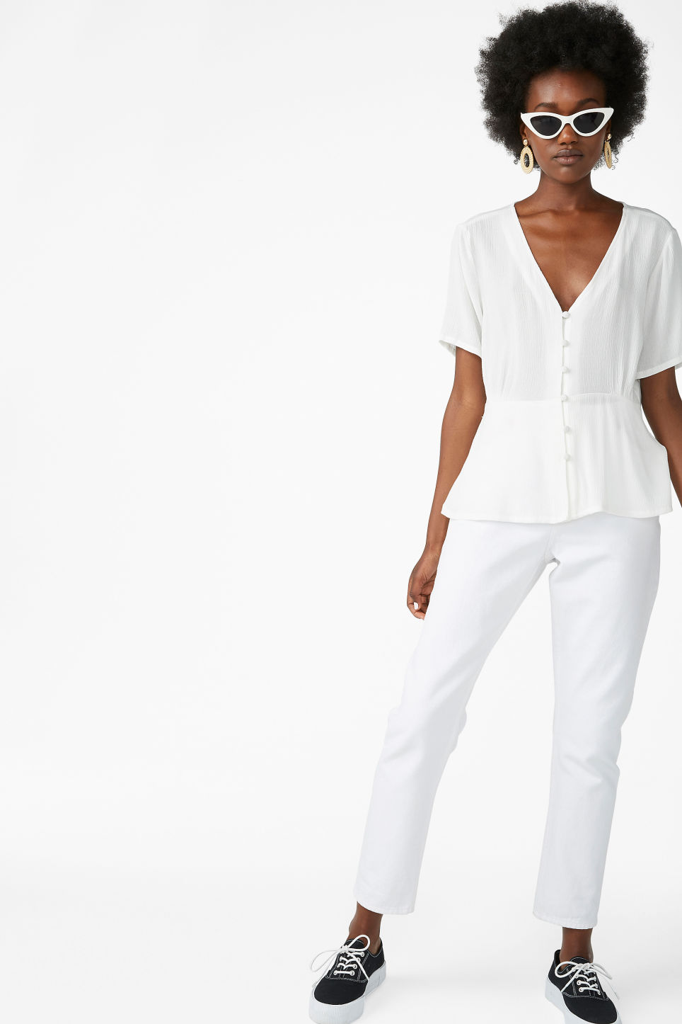 Model front image of Monki romantic blouse in white