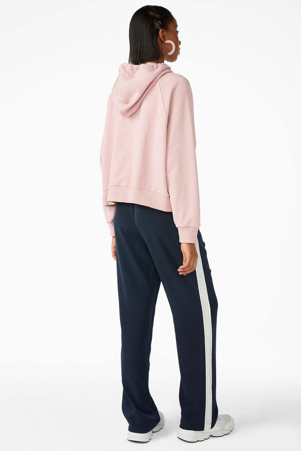 Model back image of Monki cropped hoodie in pink