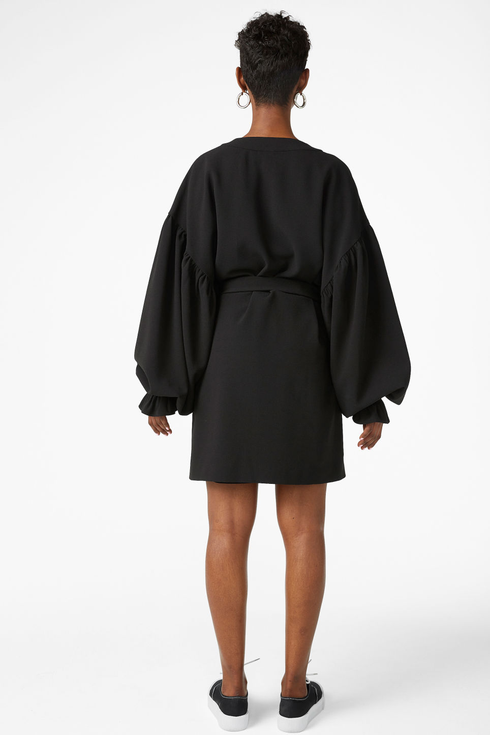 Model back image of Monki kimono-style blouse in black