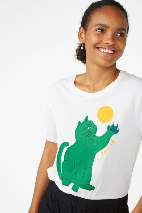 Claw it tee
