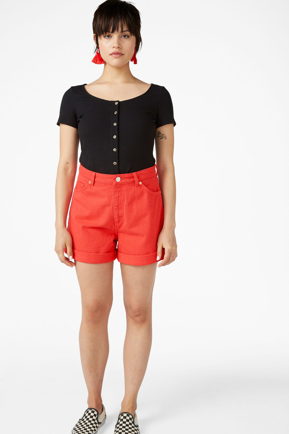 Model front image of Monki denim shorts in red