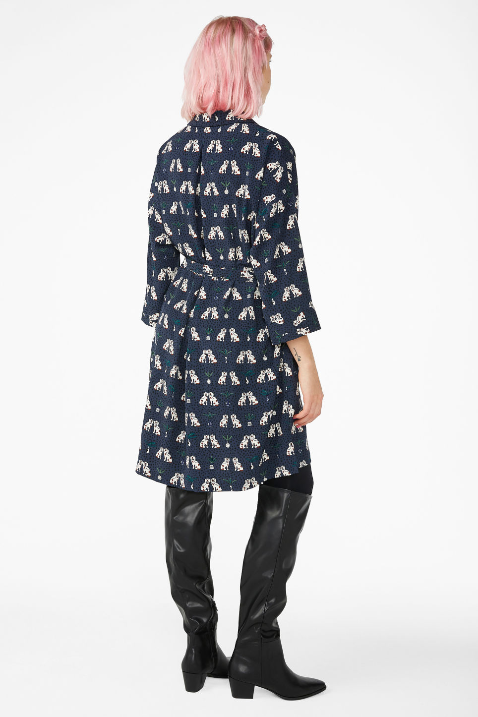 Model back image of Monki oversize belted shirt dress in blue