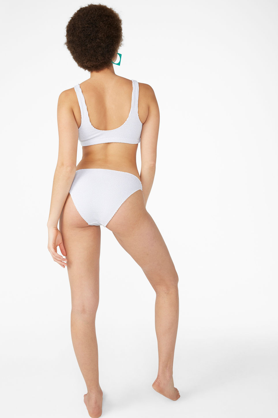 Model back image of Monki shirred bikini top in white