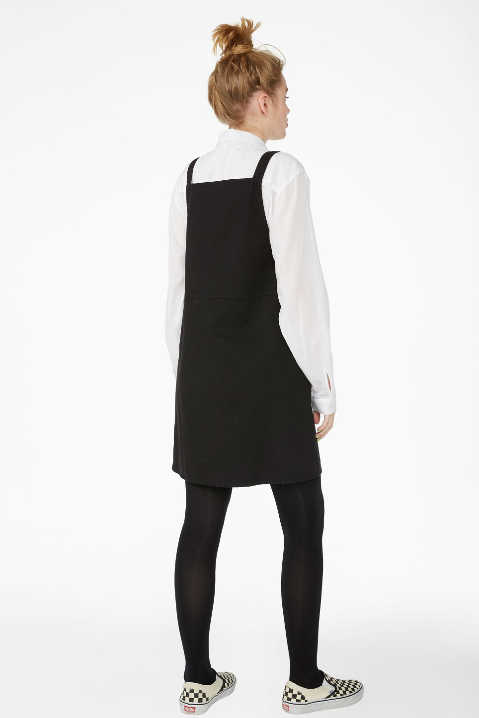 Model back image of Monki dungaree dress in black