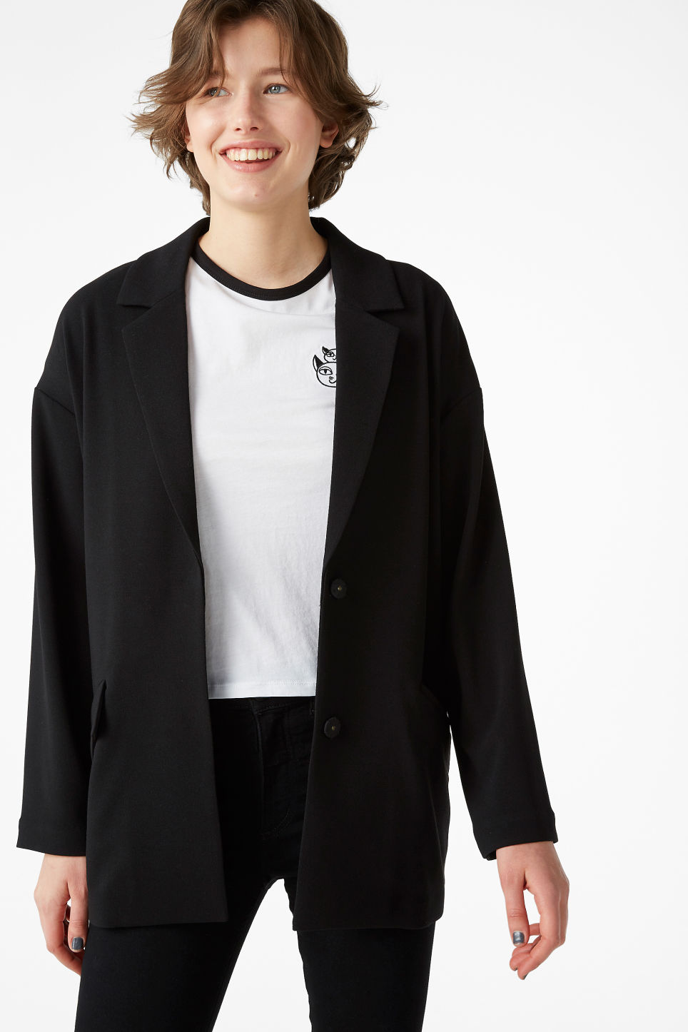 Model front image of Monki long blazer in black