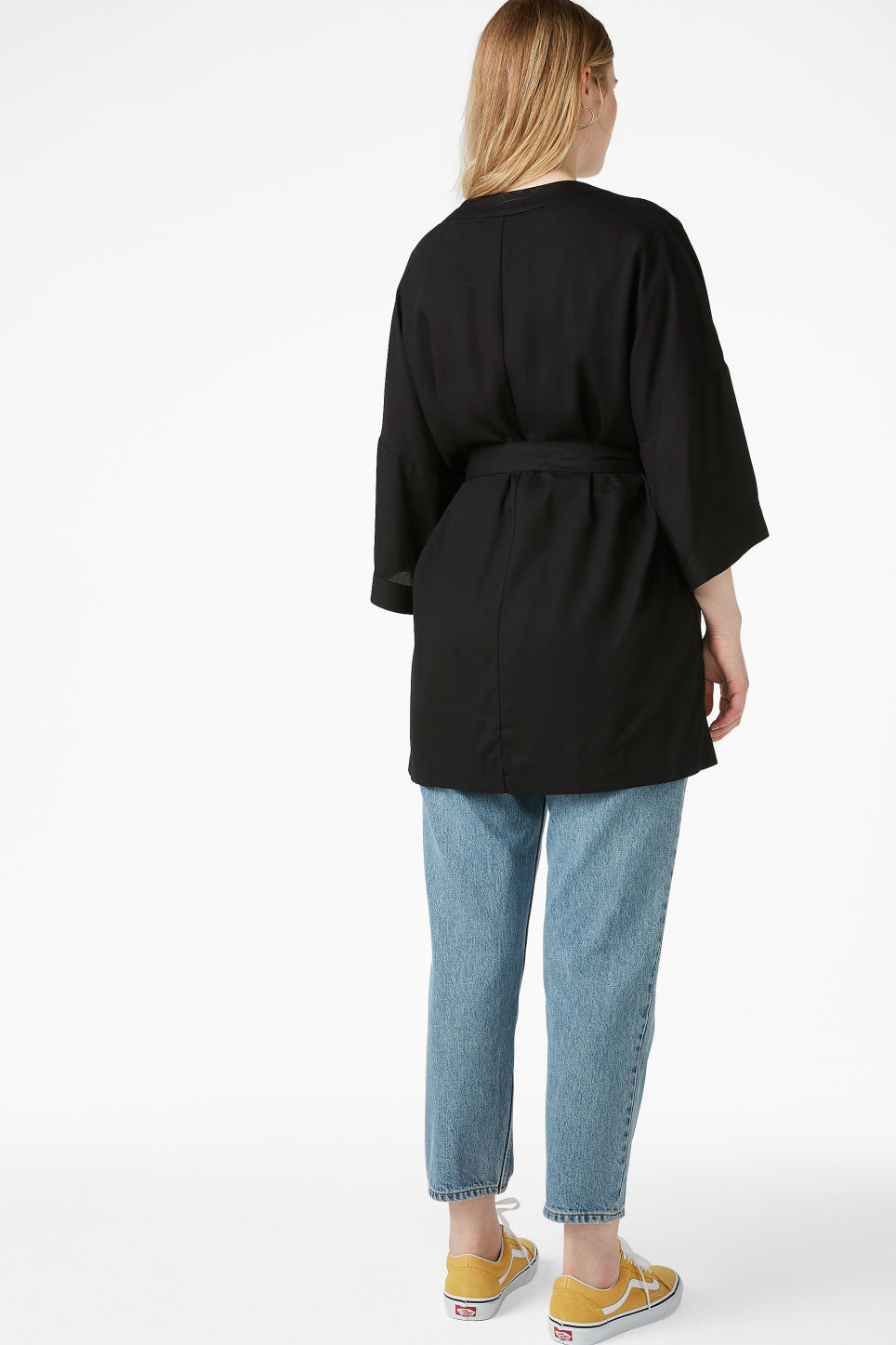 Model back image of Monki short kimono blouse in black