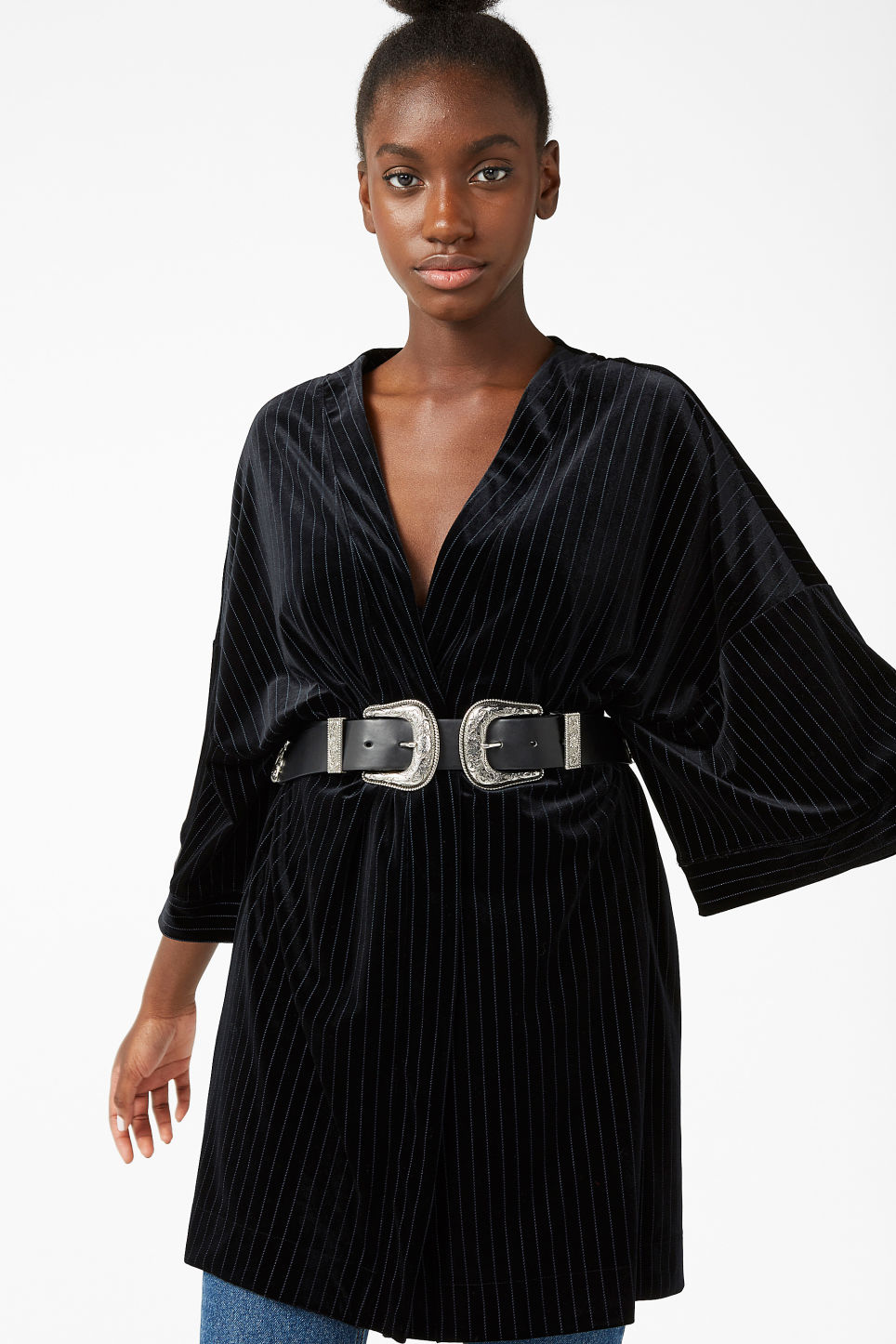 Model front image of Monki pinstripe kimono in black