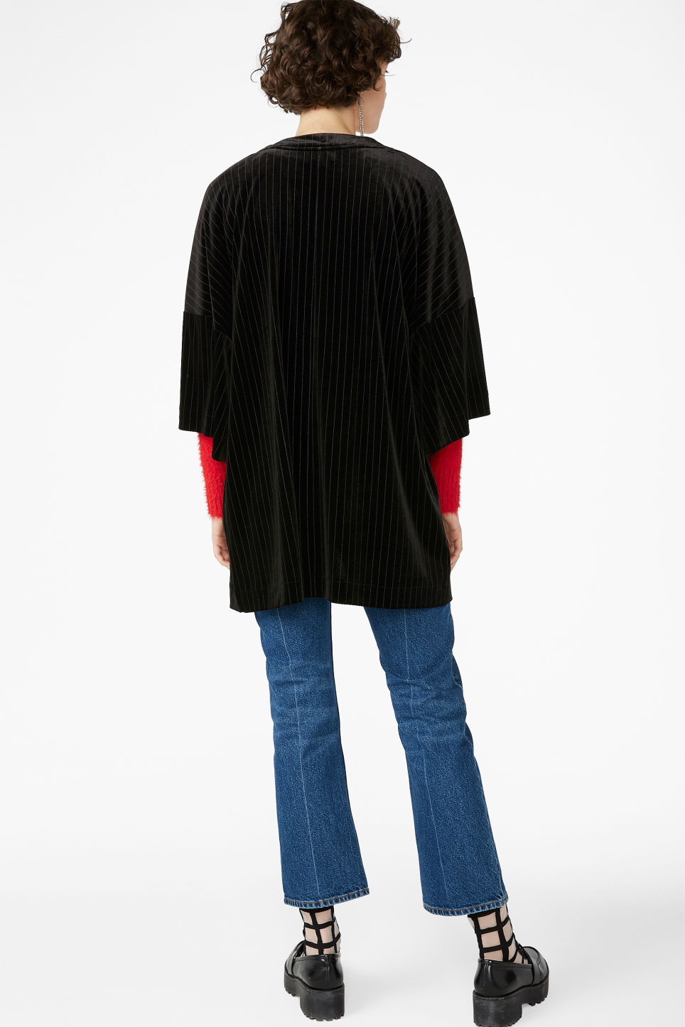 Model back image of Monki open kimono in black