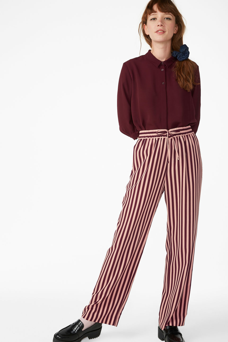 Model front image of Monki dressy trousers in pink