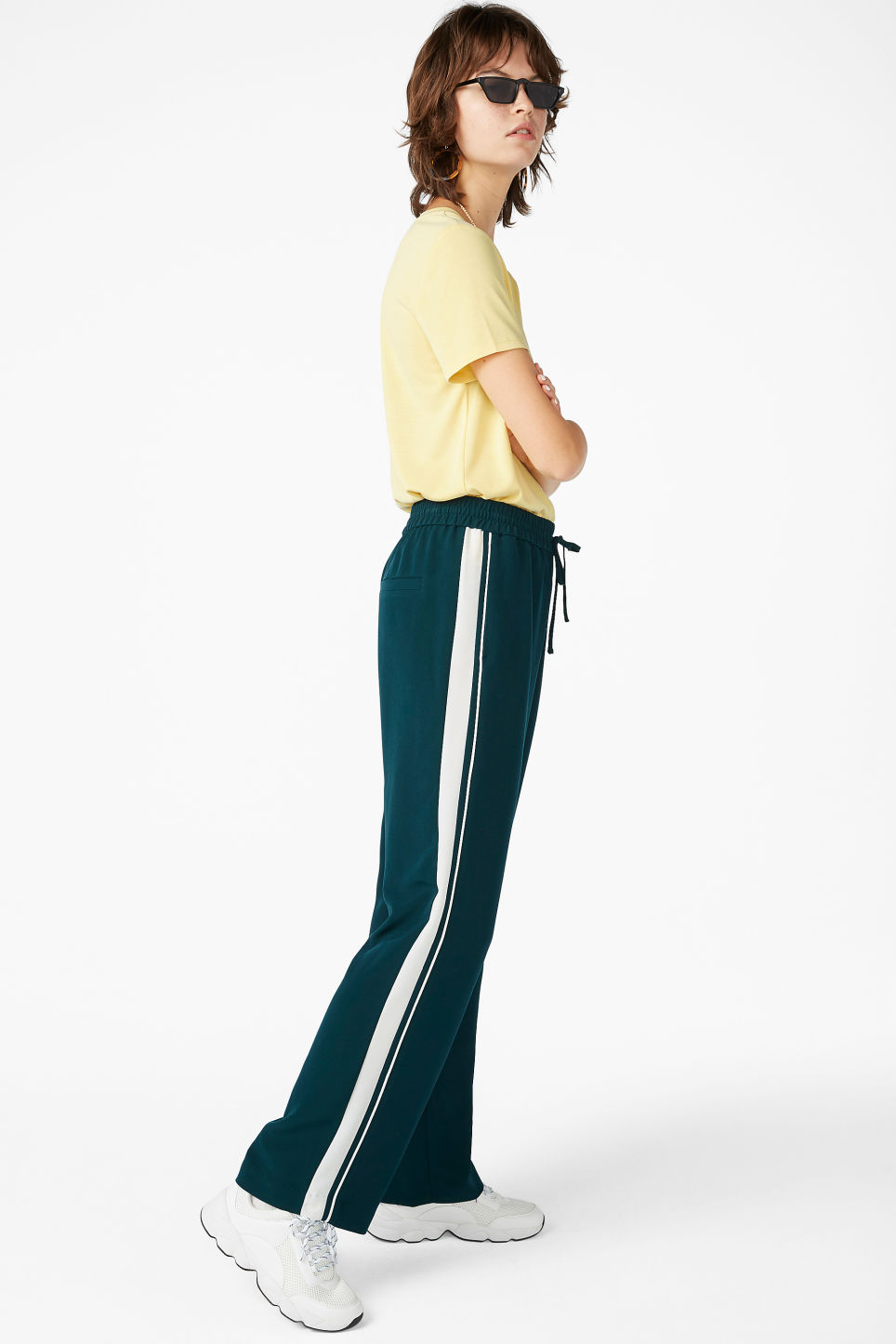 Model front image of Monki dressy trousers in green