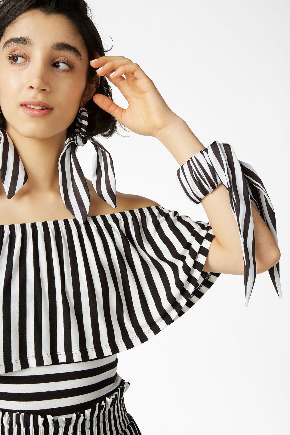 Model front image of Monki striped scarf bracelet in black