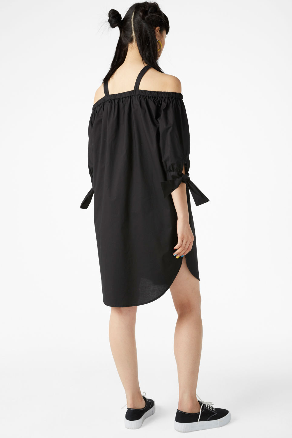 Model back image of Monki cold-shoulder dress in black