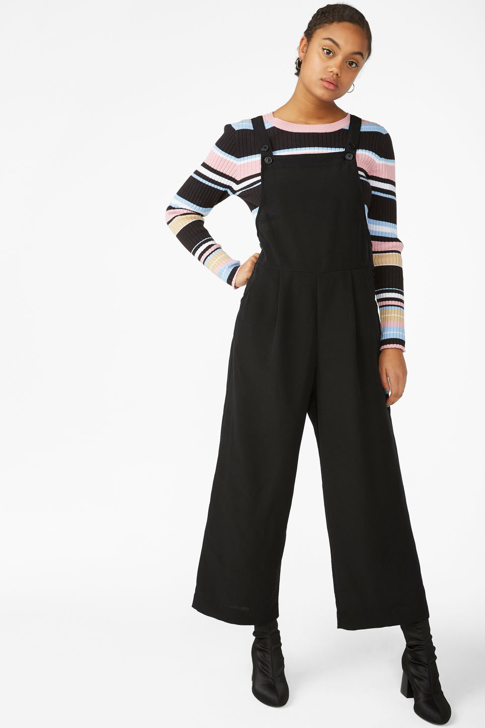 58e05dfa805 Model front image of Monki wide leg dungarees in black
