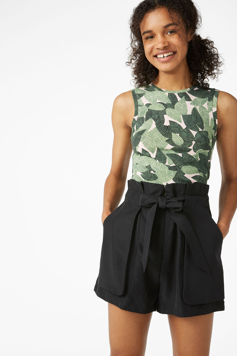 Model front image of Monki flowy shorts in black