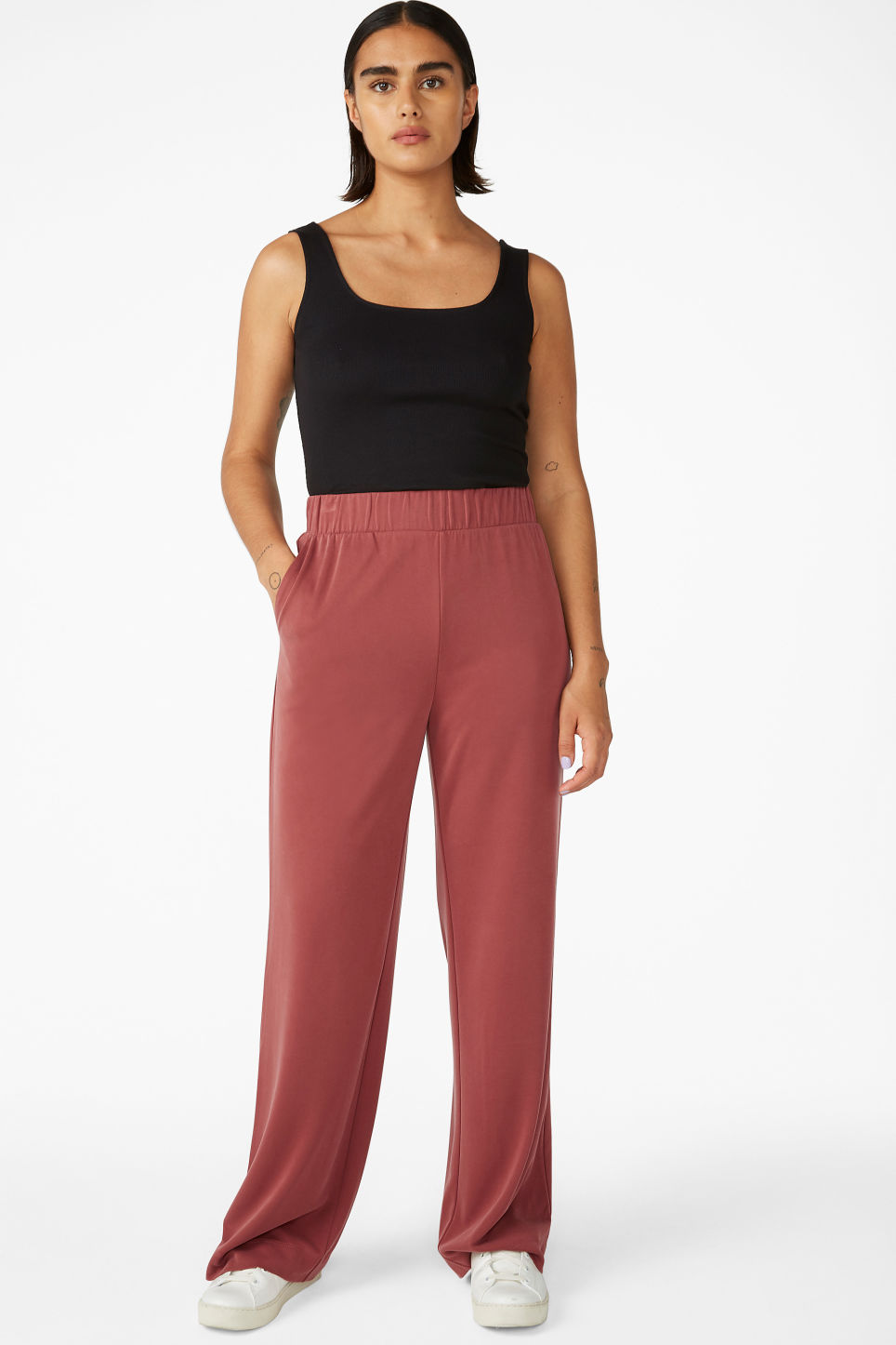 Model front image of Monki super-soft flowy trousers in red