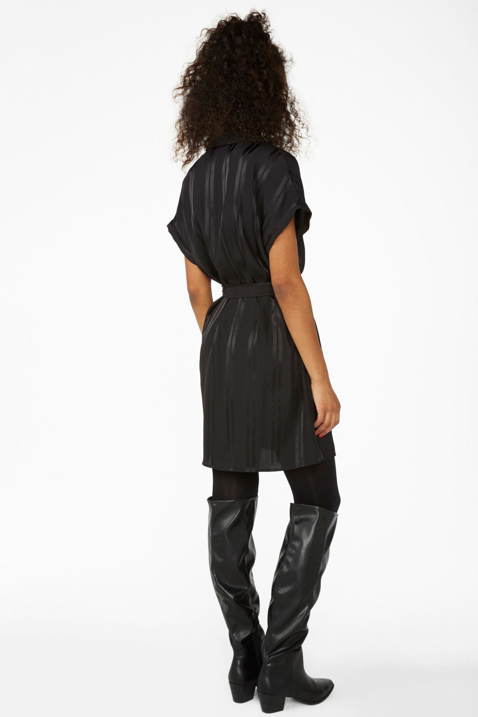 Model back image of Monki short-sleeved wrap dress in black