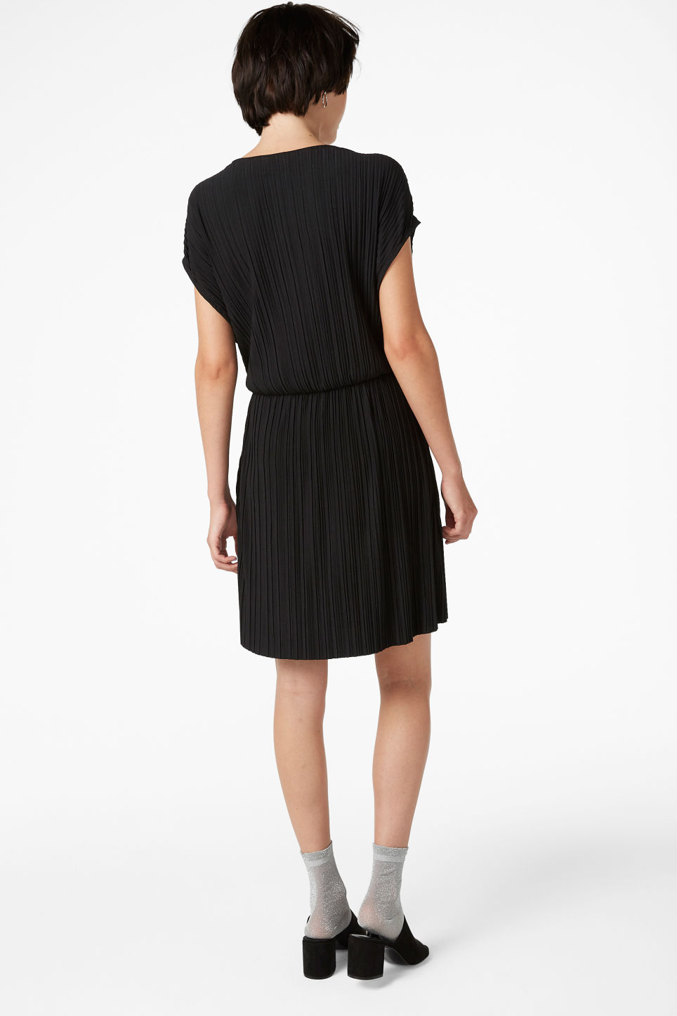 Model back image of Monki pleated wrap dress in black