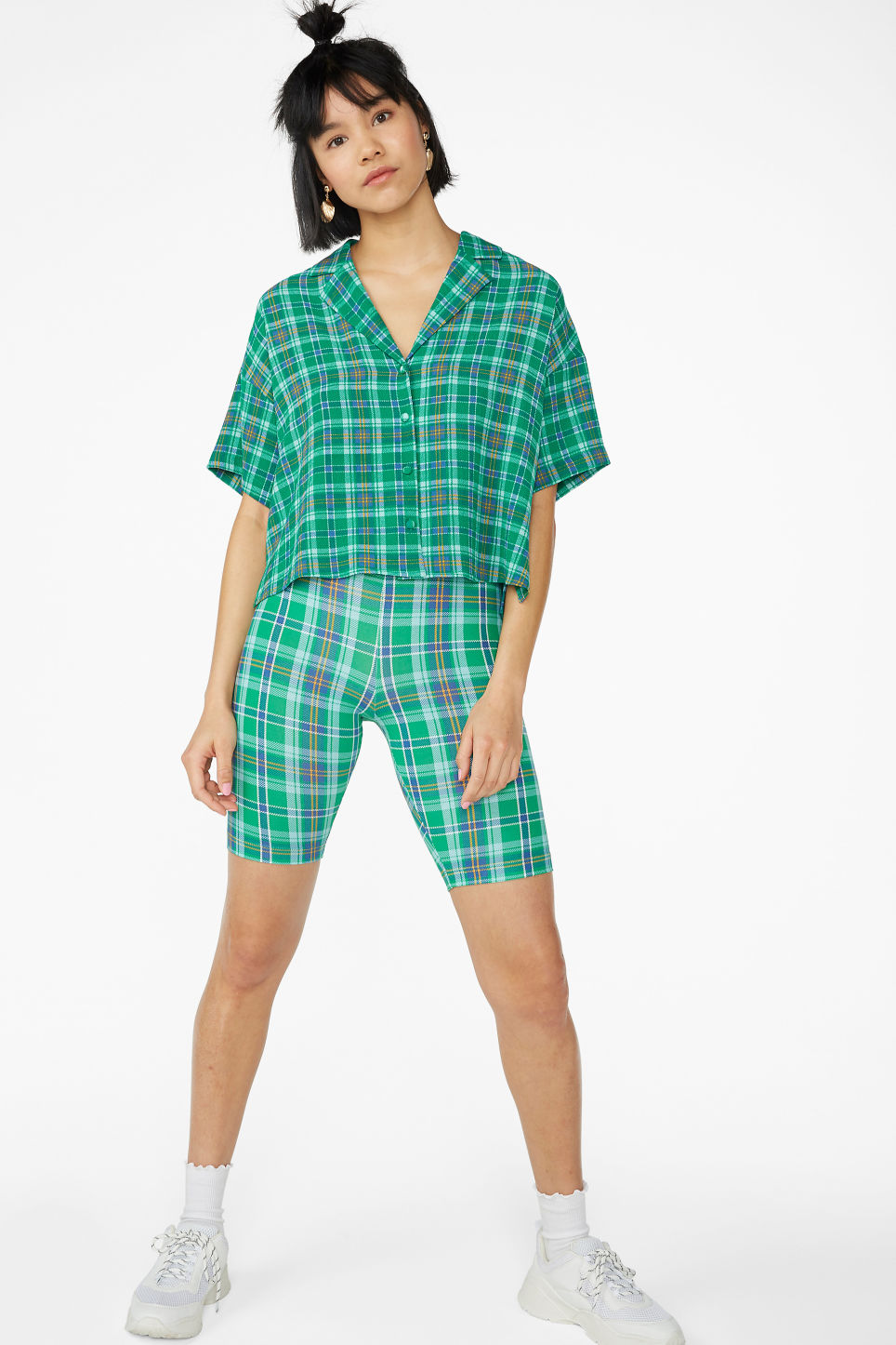 Model front image of Monki short-sleeved crepe blouse in green