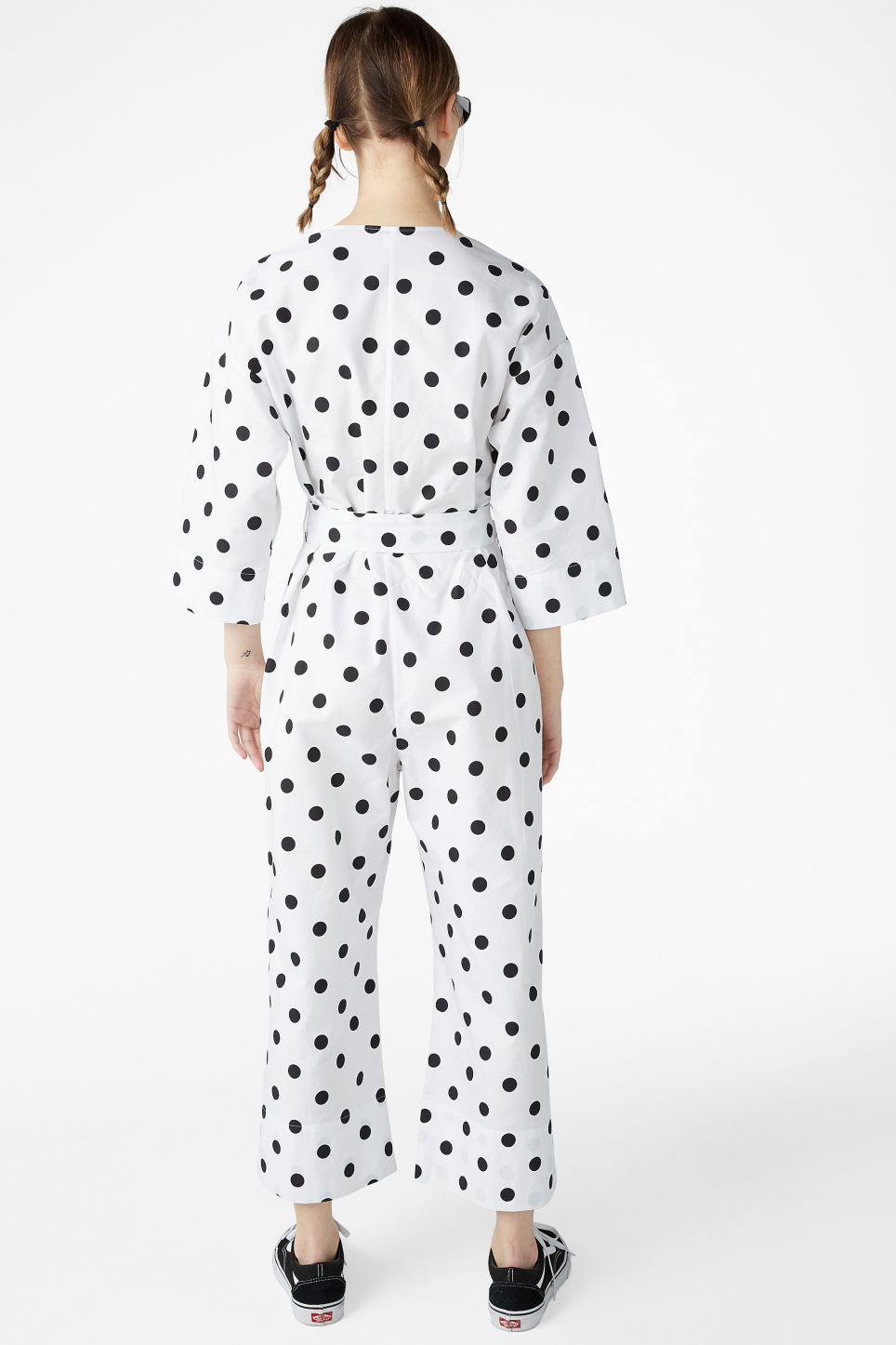 Model back image of Monki v-necked jumpsuit in white