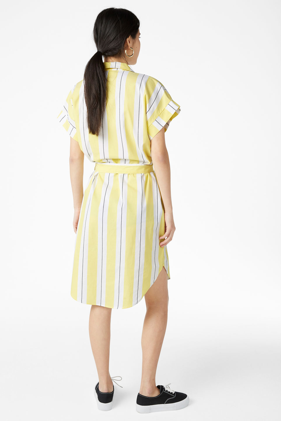 Model back image of Monki short-sleeved shirt dress in yellow