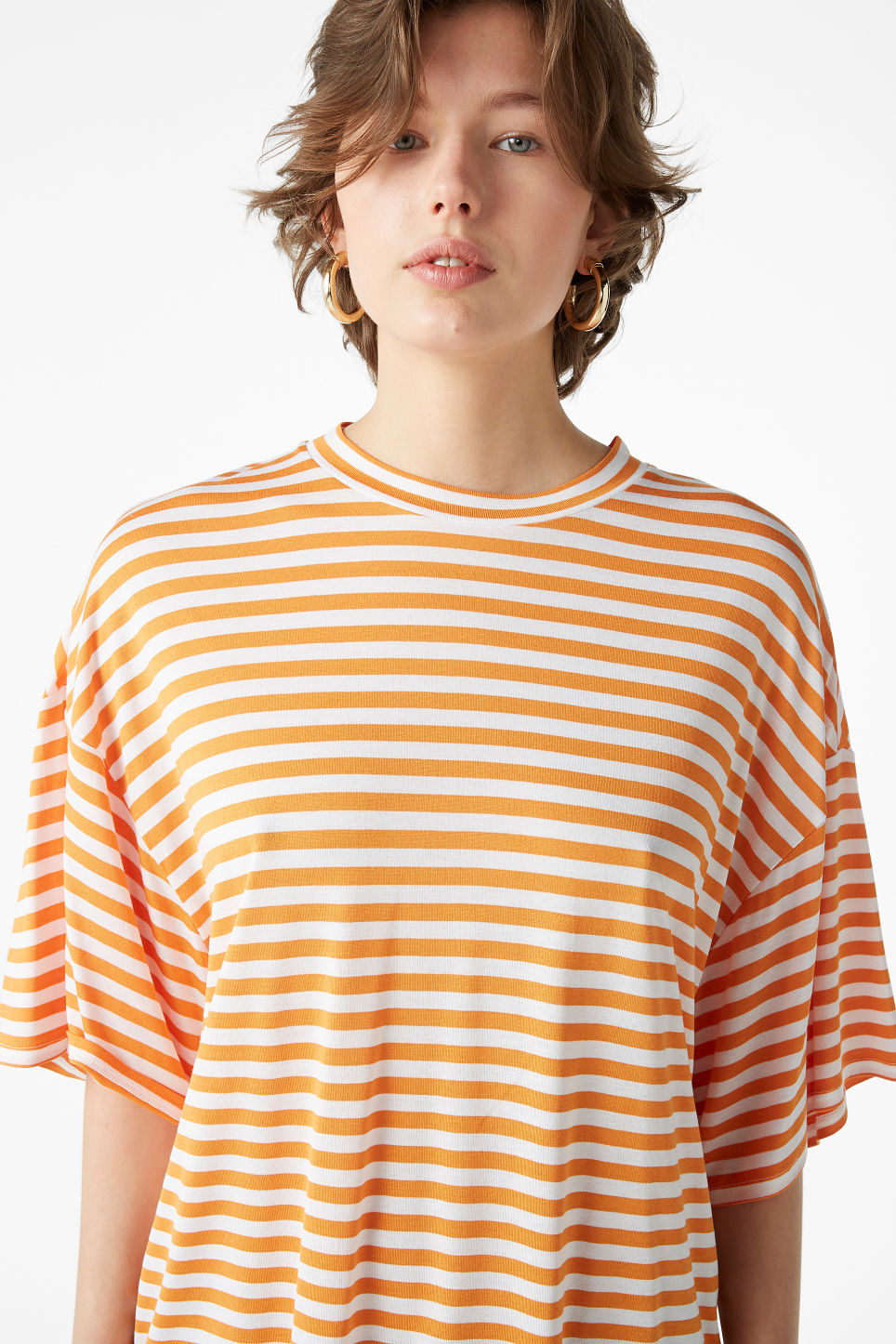 Model front image of Monki oversized tee in orange