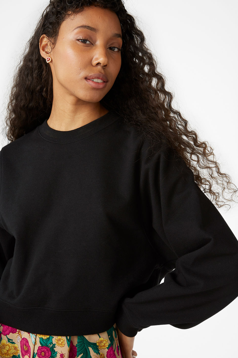 Model front image of Monki cropped sweater in black