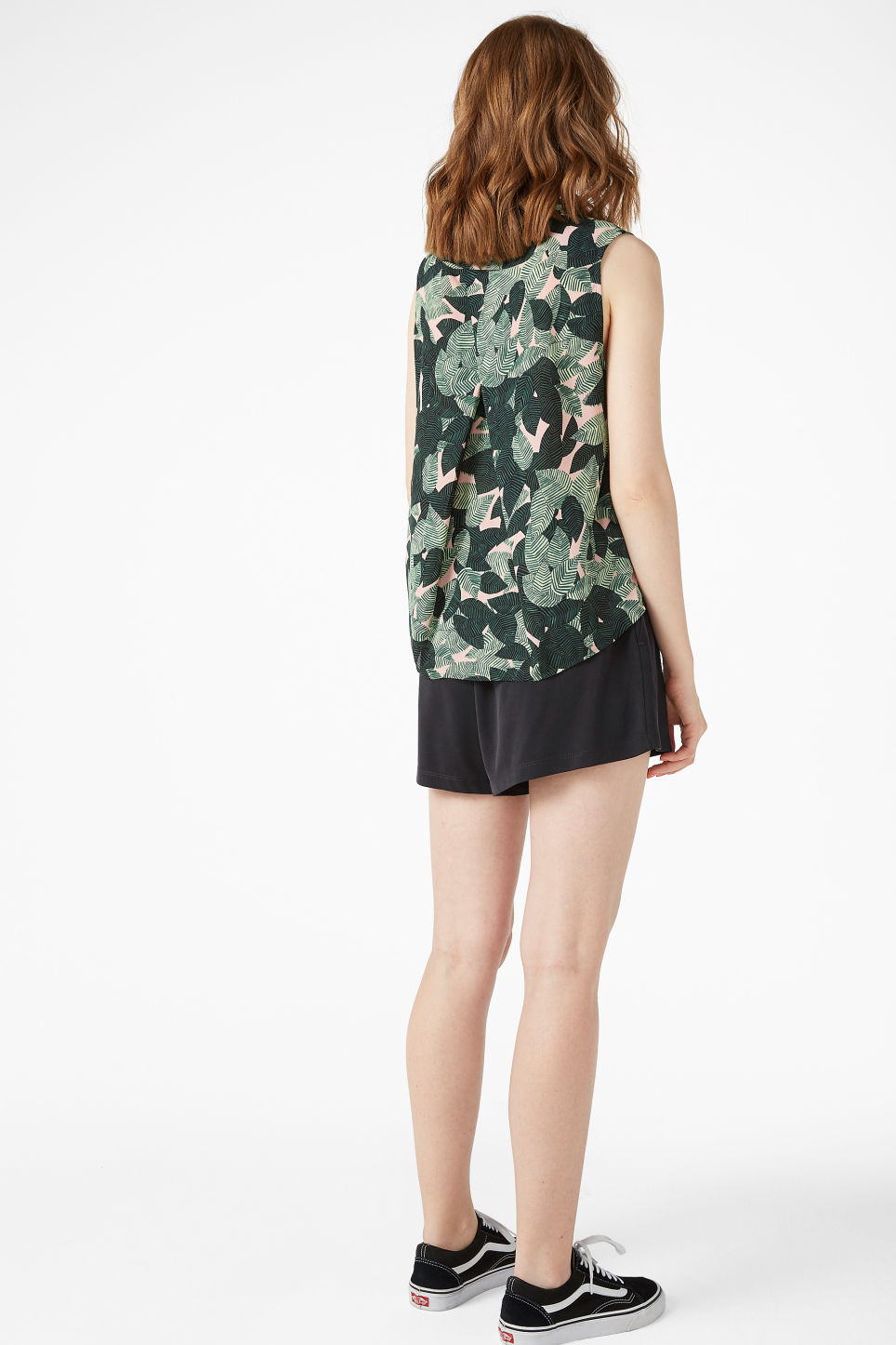 Model back image of Monki sleeveless blouse in pink
