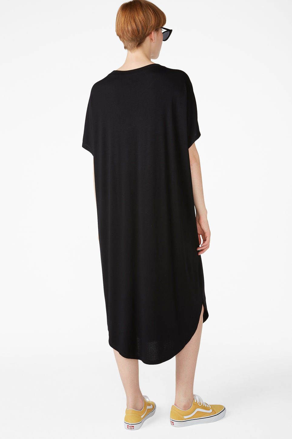Model back image of Monki oversized t-shirt dress in black