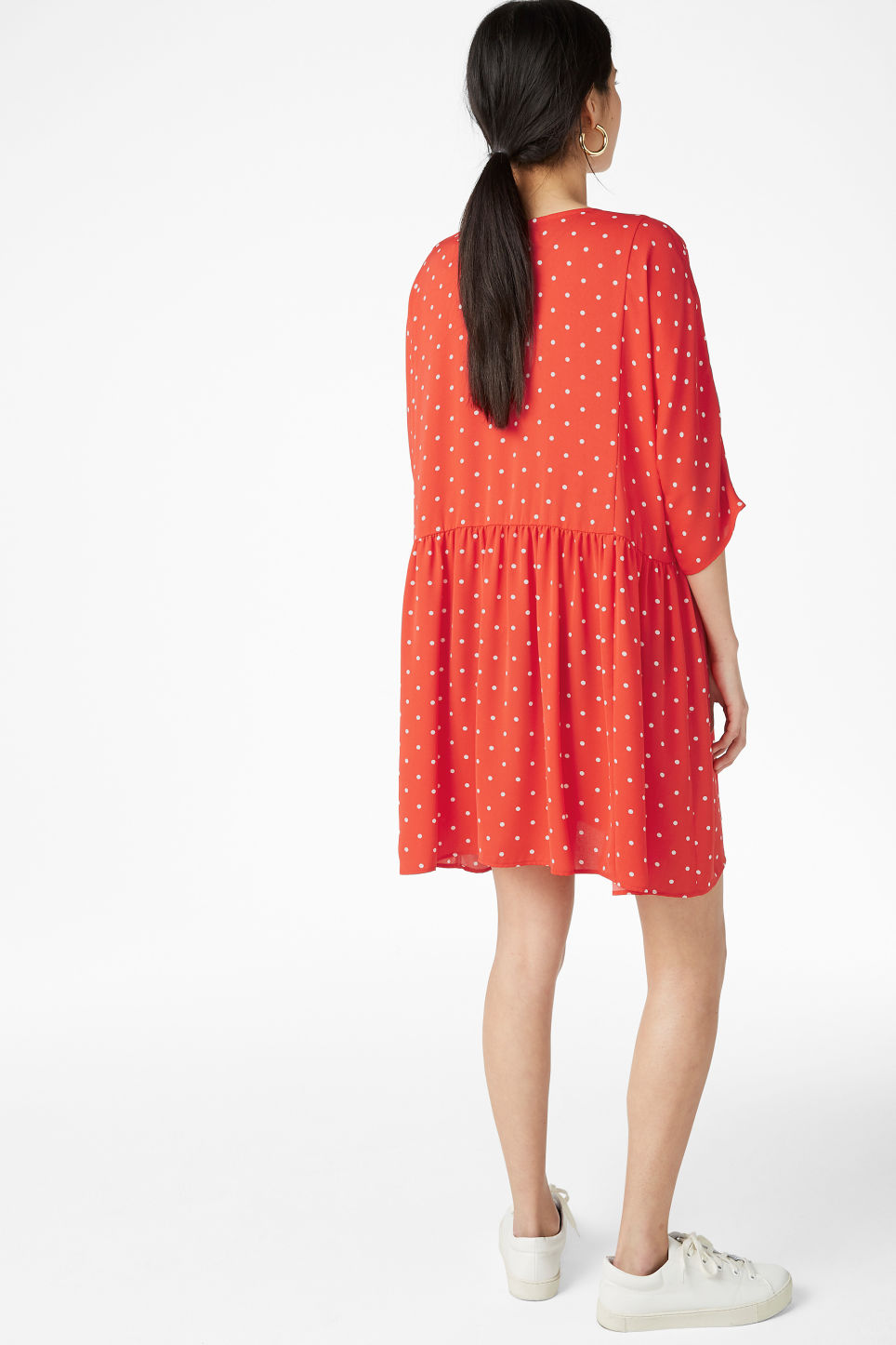 Model back image of Monki ruffled dress in red